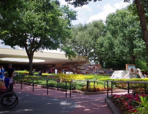 ガーデングリルレストランの建物の外観