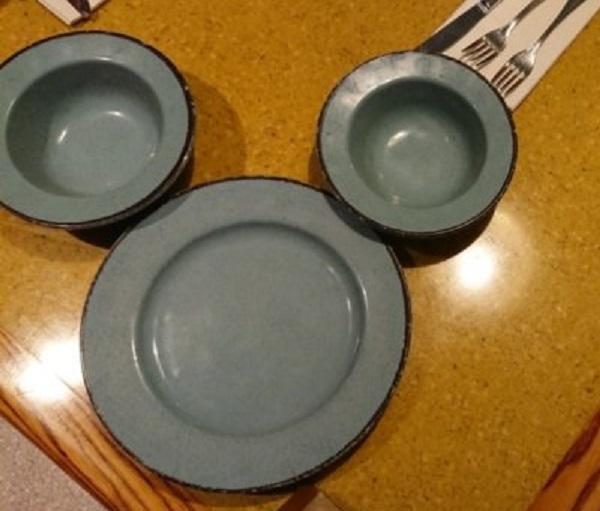 ガーデングリルレストランのお皿