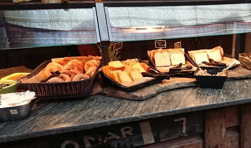 タスカーハウスレストランのパン