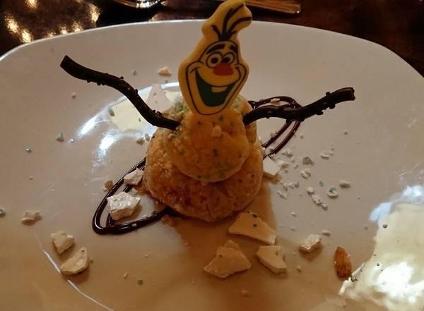 カーセイサークルレストランのデザート(オラフ)