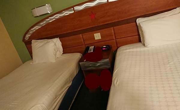 オールスターリゾートの客室のベッド