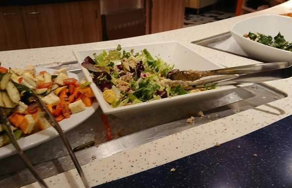 pchグリルのサラダ