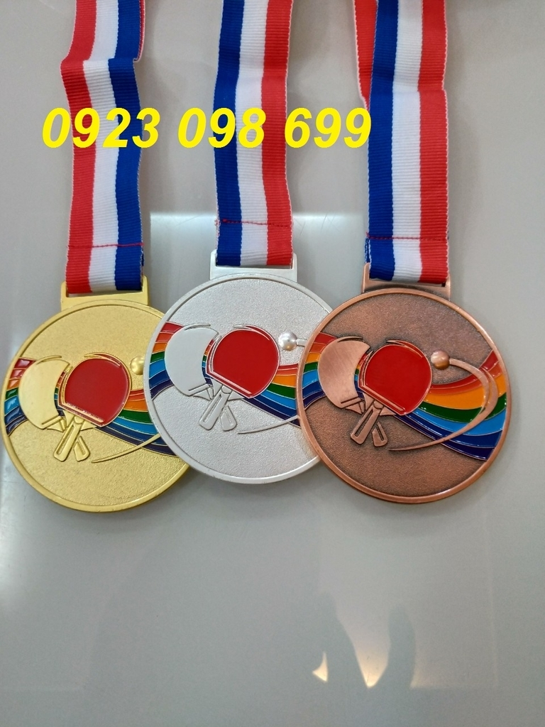 bán huy chương bóng đá, cung cấp huy chương, làm huy chương đúc theo yêu cầu