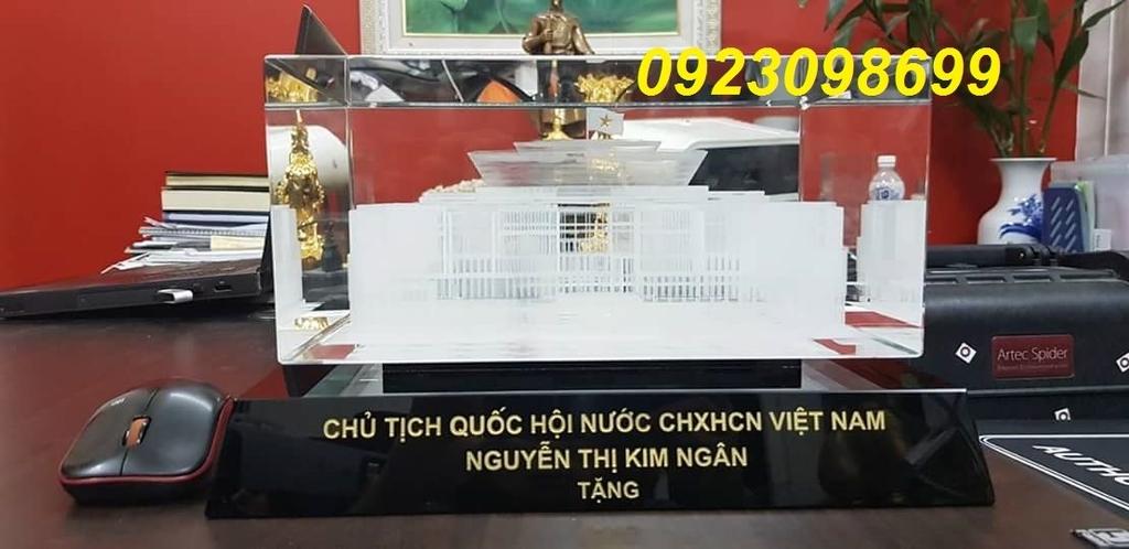 Xuong san xuat truc tiep cup lam cup Pha le lam Ky niem chuong phale