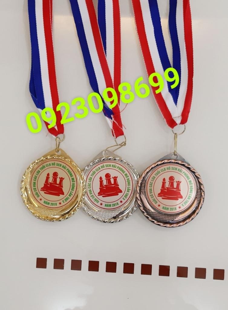 Địa chỉ cung cấp huy chương,chuyên bán huy chương thể thao, huy chương hội thao, huy chương vàng bạc đồng 8