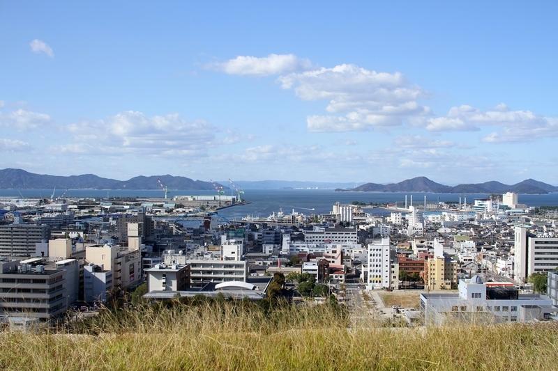 丸亀城から見る瀬戸内海