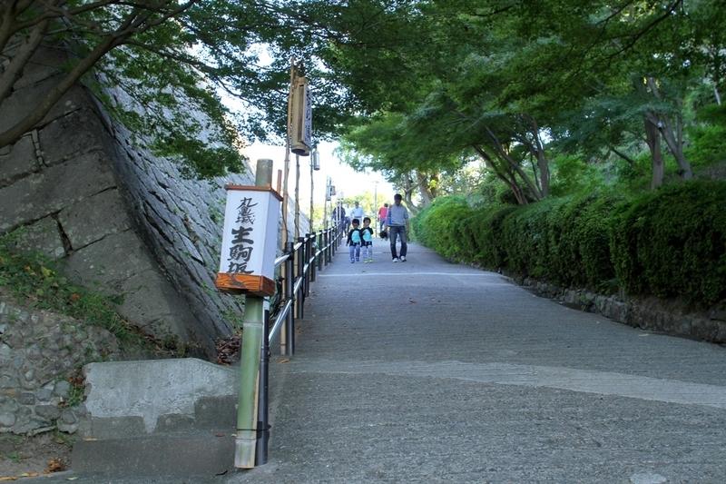 丸亀城生駒坂