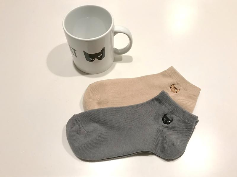 保護猫カフェNCRP(ネコリパブリック)のマグカップと靴下