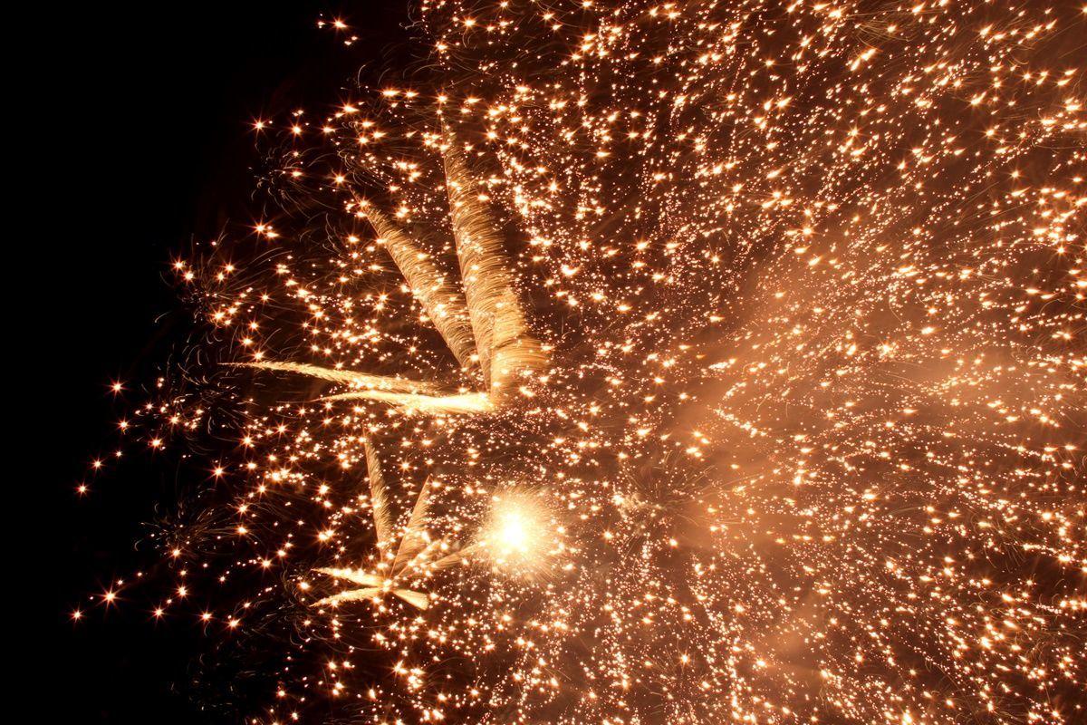 【大阪・桜ノ宮】テクニック不要!天神祭でそれっぽく花火を撮る方法