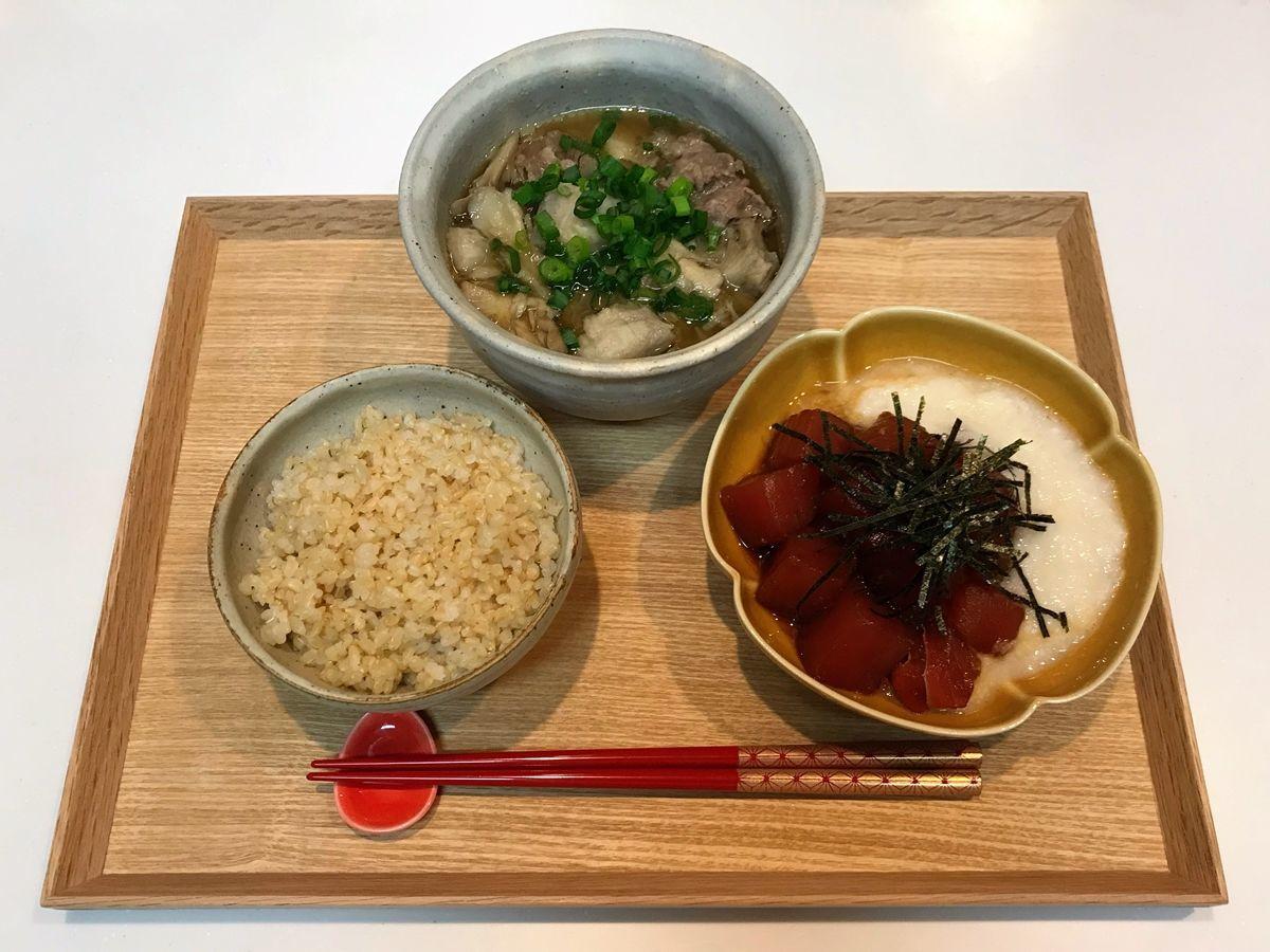 【献立・一汁一菜】玄米+山かけ漬けマグロ+芋煮