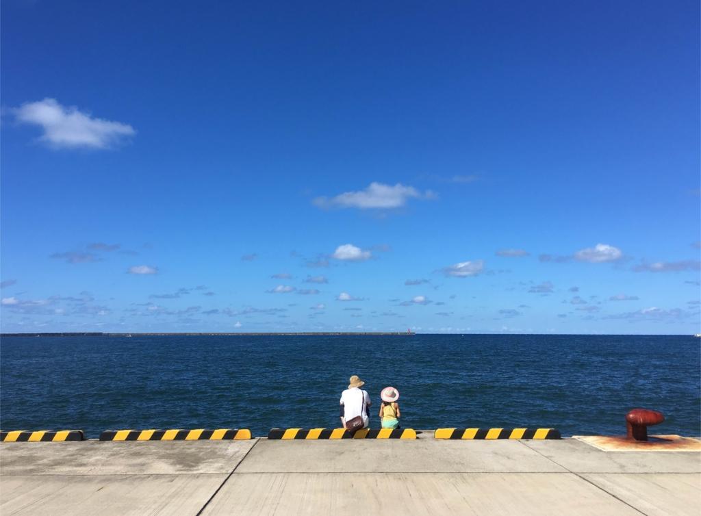 これは輪島の夏の海の写真です