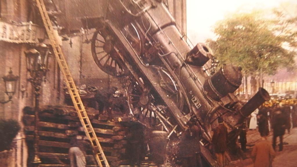 パリ 蒸気機関車