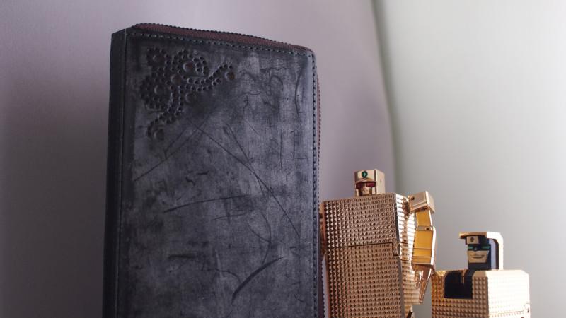 ブライドルレザー 革 蝋 ロウ ブルーム メンズ財布