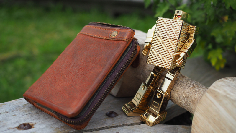 TOUGH (55561)  本革 二つ折り財布 メンズ ゴールドライタン