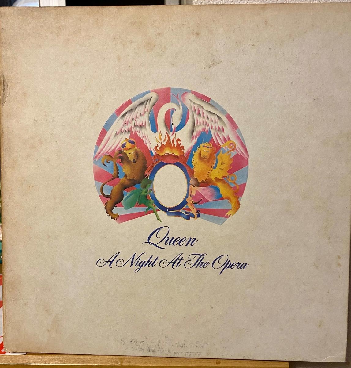 1975年発売のQueen「オペラ座の夜」のLPレコード