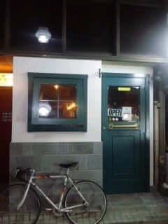 池袋のベルギービールバー「Gibbon」の改装後外観