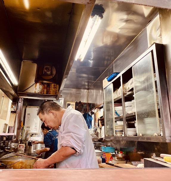 東長崎にある町中華「松月」の厨房