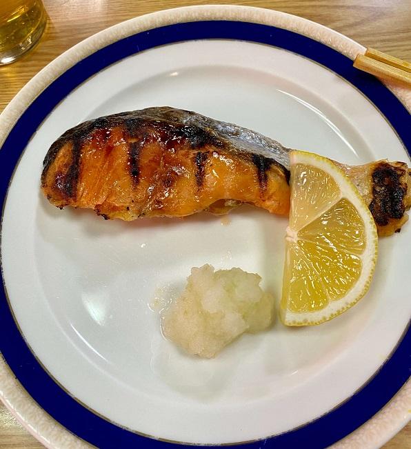 「天将」の鮭の塩焼き