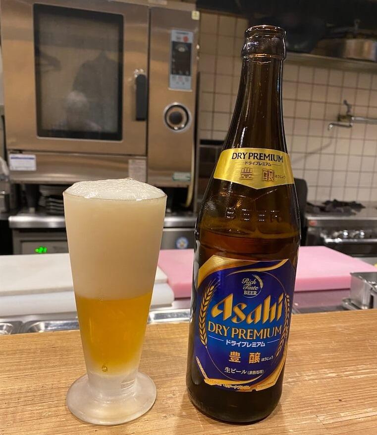 十条の昼から飲めるもつ焼き「碁ゑん」でビール