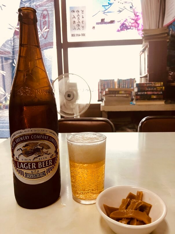 江古田の激渋町中華「新京」でビール