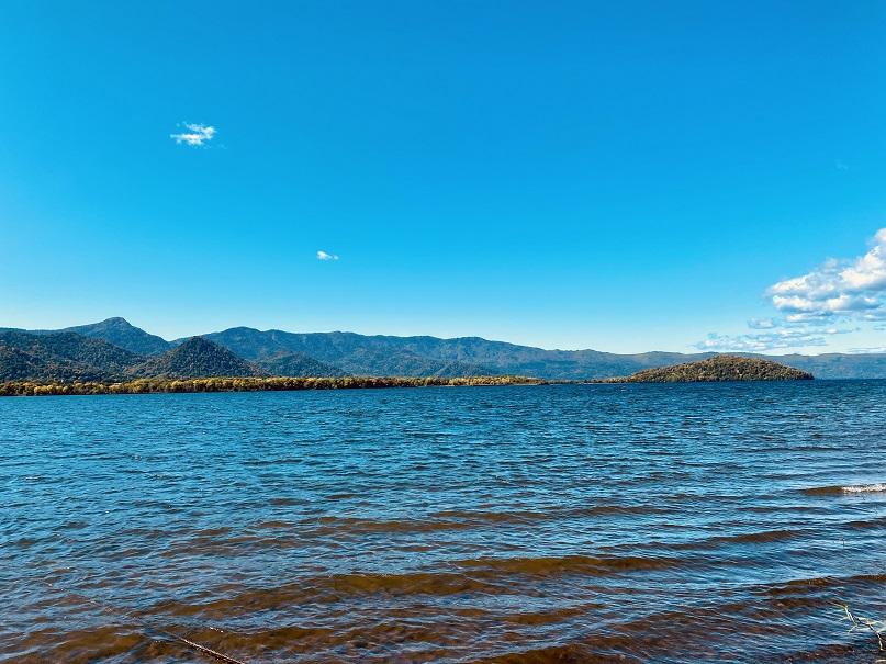 晴天の屈斜路湖