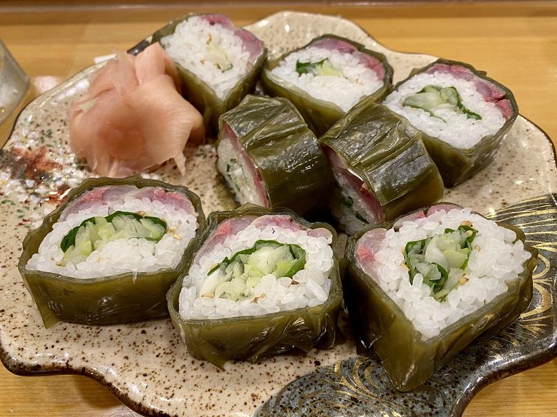「浜作」のさんまロール寿司