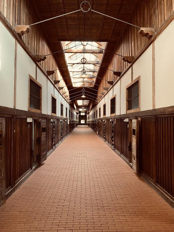 網走監獄の舎房の廊下