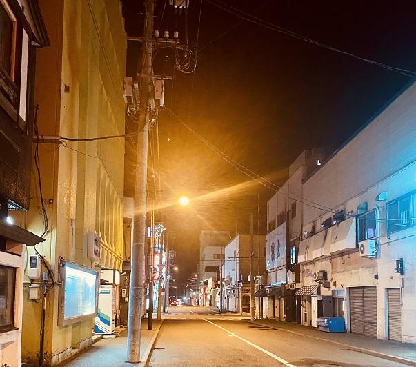 網走の夜の繁華街