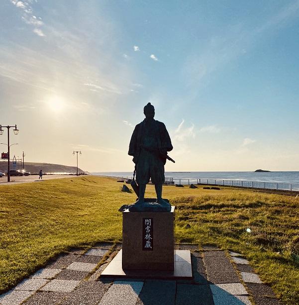 宗谷岬にある間宮林蔵の像