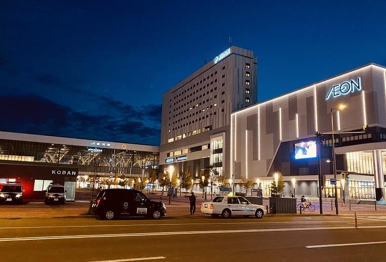 旭川駅前。なんだかきれいに整備されている。
