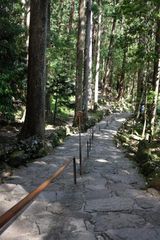 那智の滝の階段