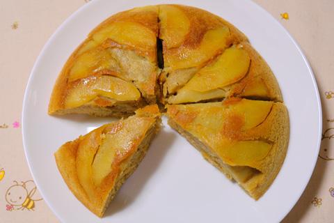 紅茶とリンゴのホットケーキ