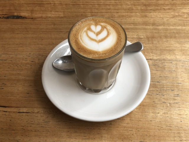 シングルマザーもカフェを楽しむ