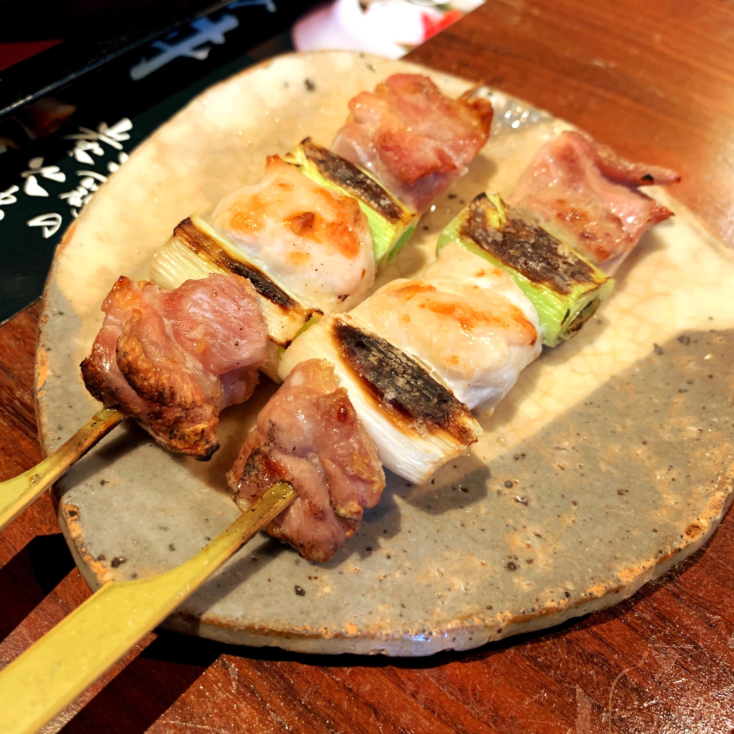 滋賀県彦根市にある比内地鶏ほっこりやのねぎま串