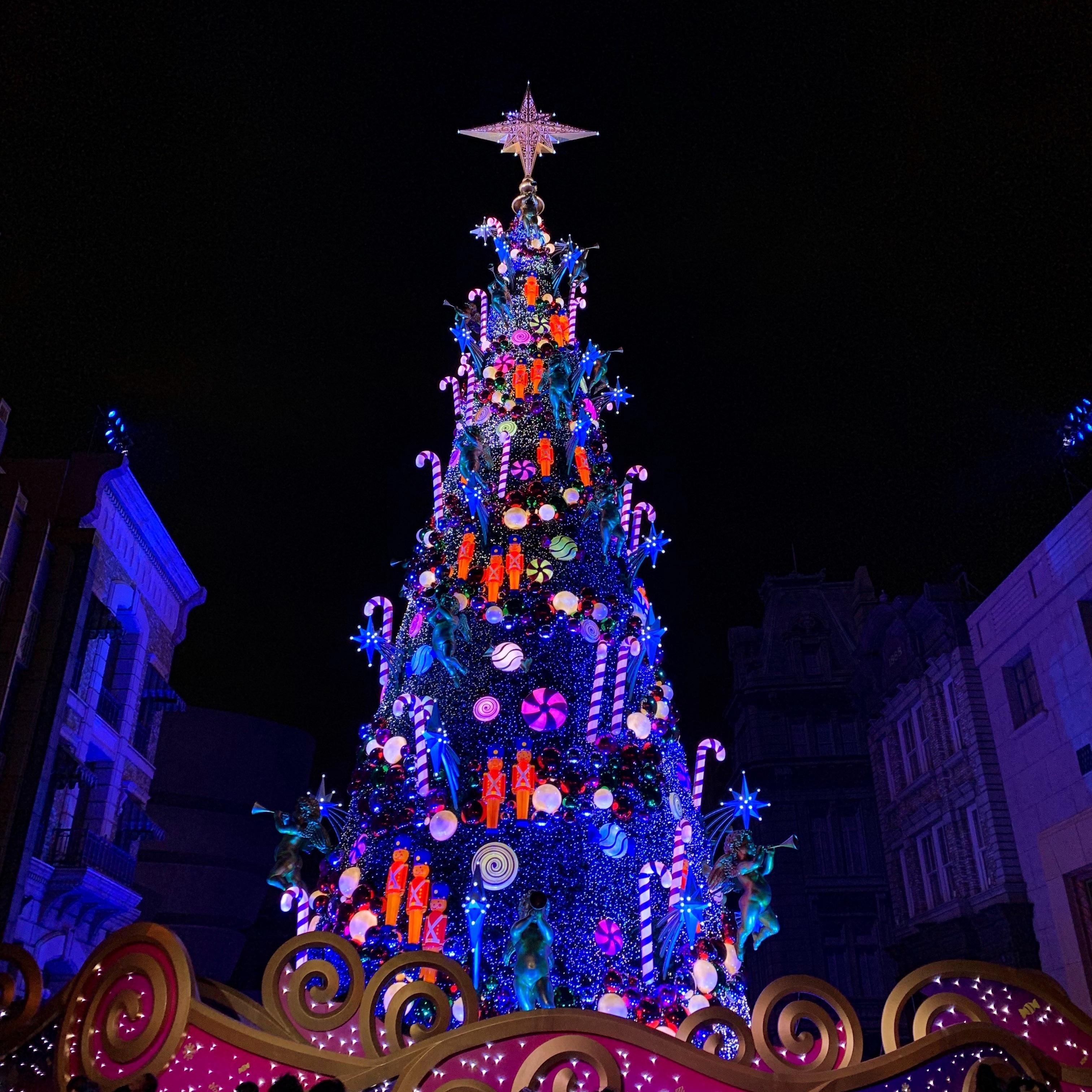 ギネス世界記録を持つユニバのクリスマスツリー