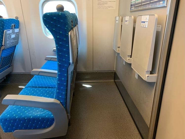 N700系の一番後ろの席の裏