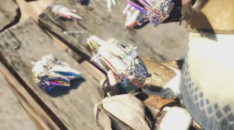 虹色に輝く結晶を手に取る受付嬢【モンスターハンター:ワールド】