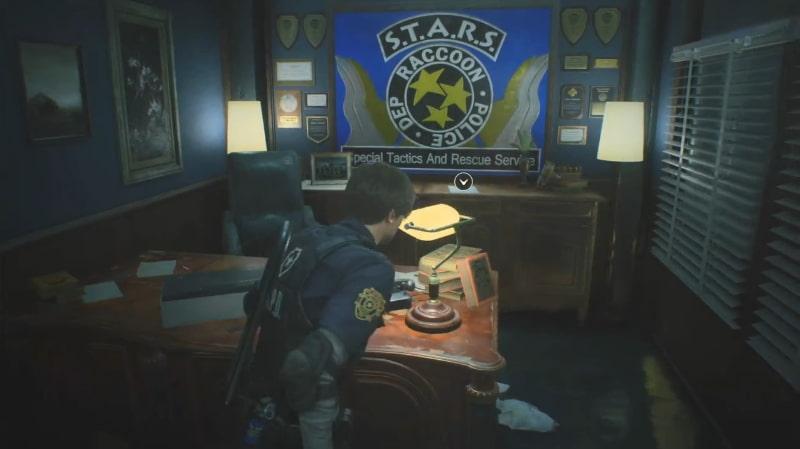 警察署1階 西側オフィスの金庫のヒント場所(現場)【バイオハザードRE:2】