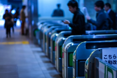 通勤通学電車の過ごし方は英語と資格の勉強の2つが効率的