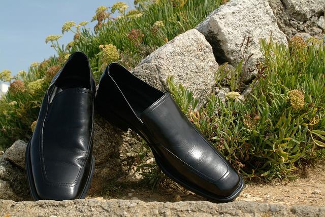 革靴の靴擦れ予防と対策かかとやくるぶしが痛い