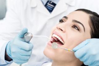 いい歯医者の選び方と美人でかわいい女医の探し方を教える口コミも大事