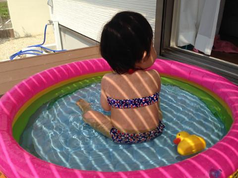 プールと娘