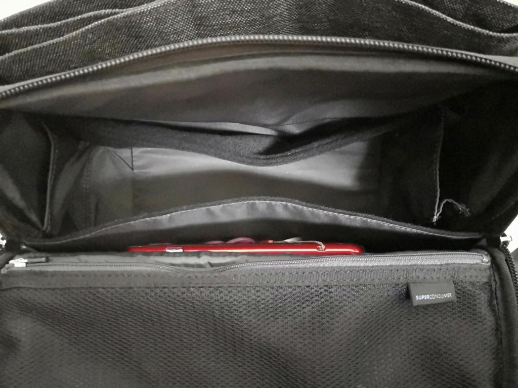 従来のひらくPCバッグから内ポケットが増えたひらくPCバッグnano