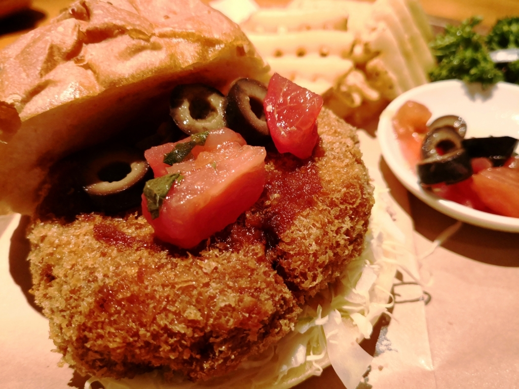 六本木グルメバーガー2018 豚組食堂 ロースかつバーガー