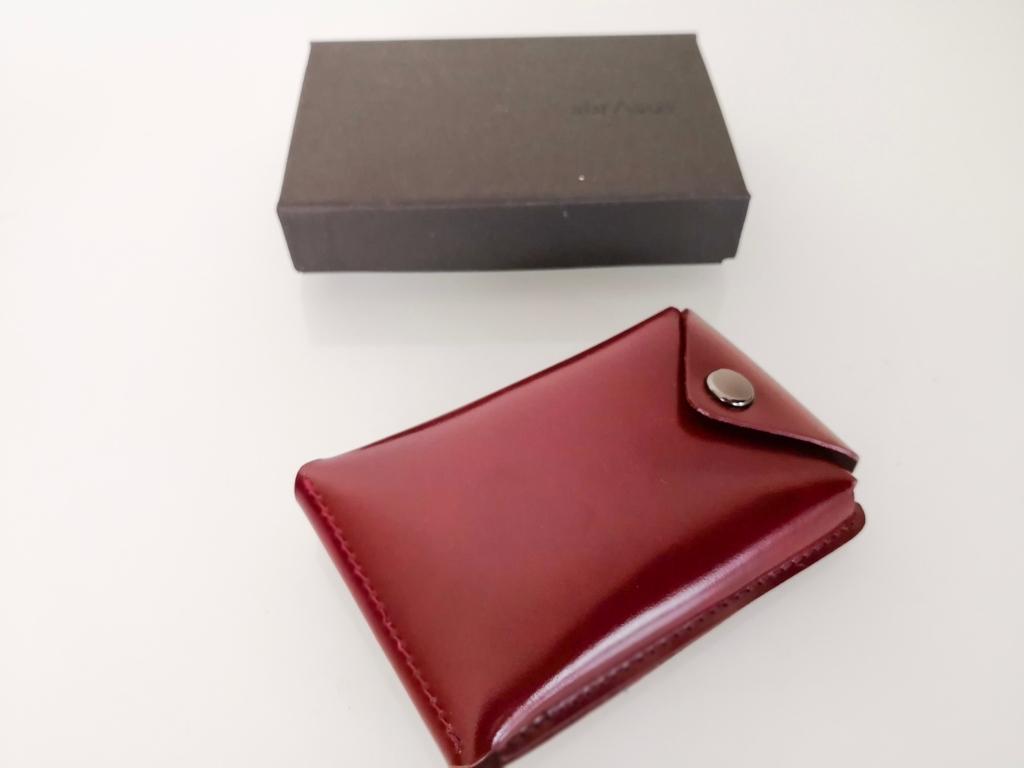 薄い財布と一緒に使えるアブラサス薄いカードケース