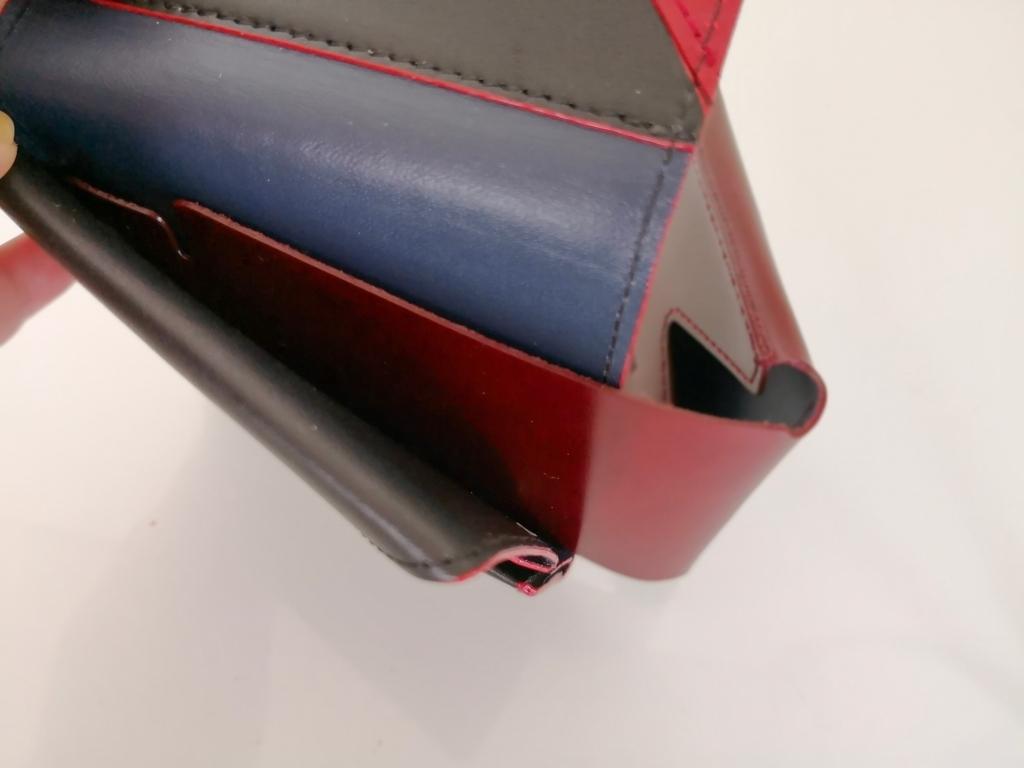 アブラサス薄い財布に薄いカードケースをはめる
