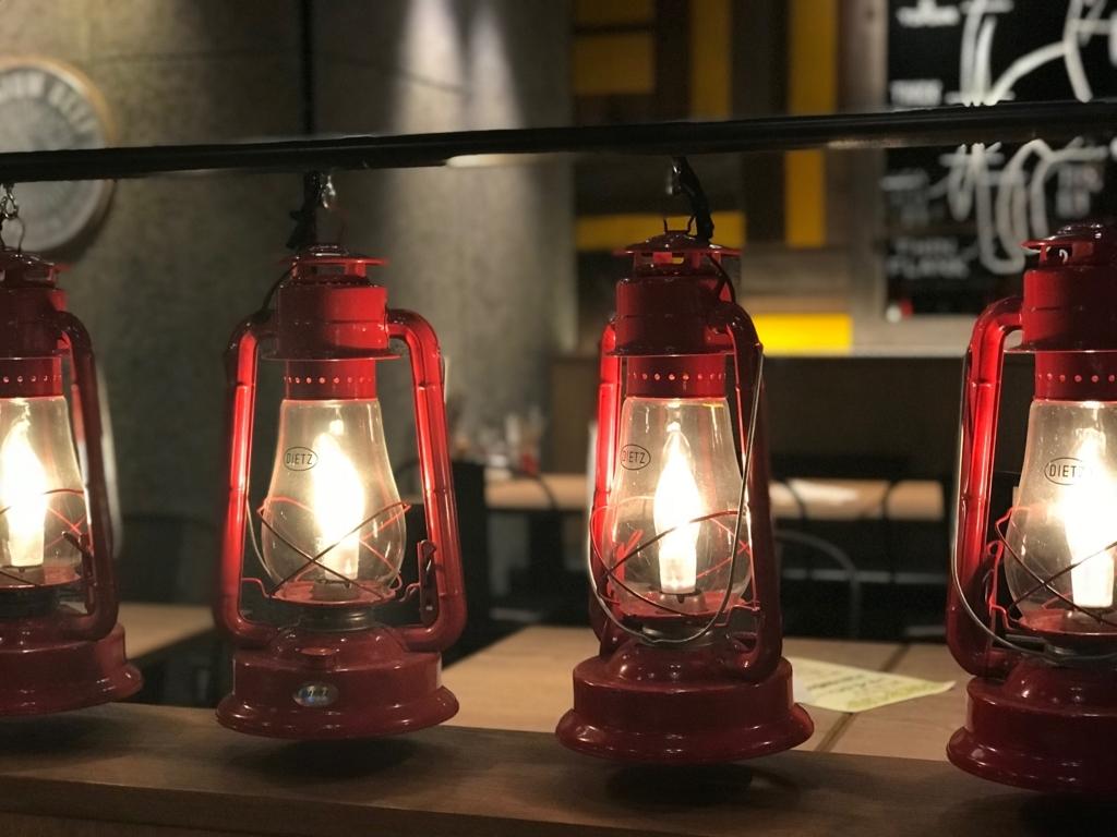 ランプが並ぶランプキャップ渋谷店