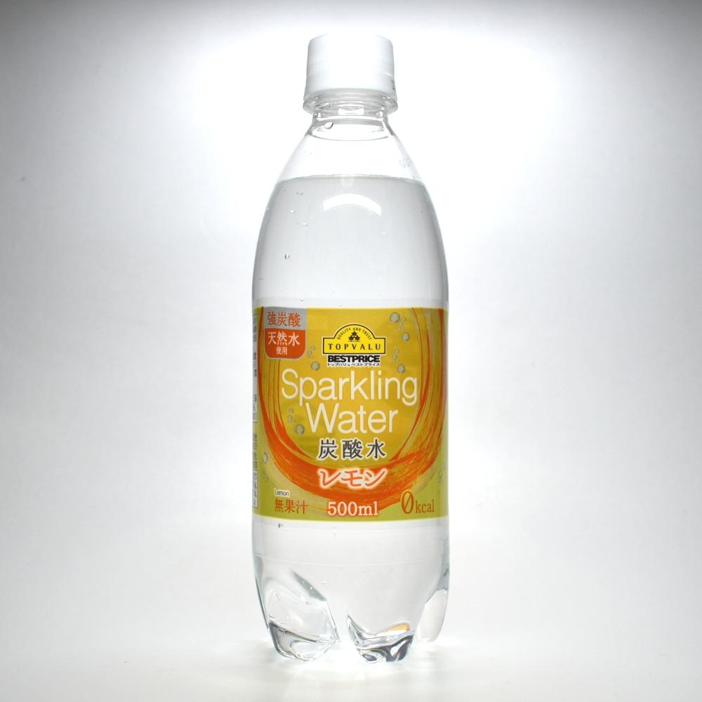 トップバリュ強炭酸 天然水使用 炭酸水 レモン