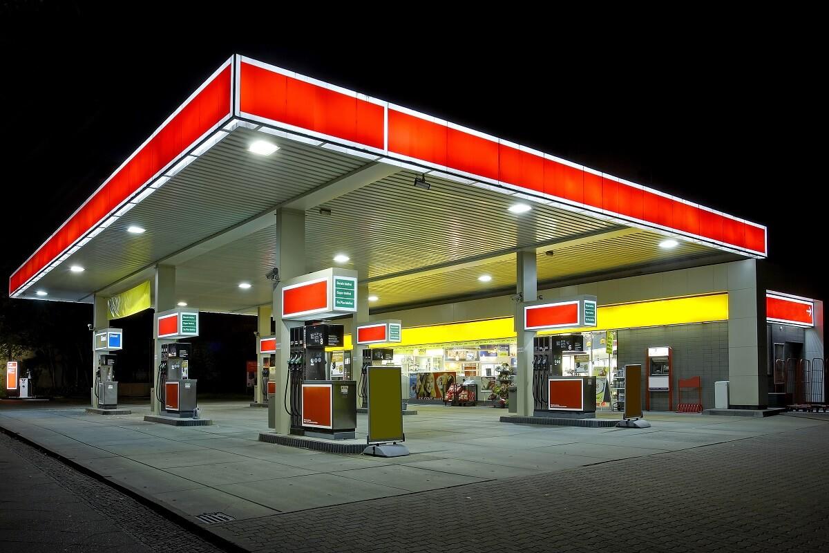 ガソリンスタンドを初めて使う前に!知っておくとスマートな基礎知識まとめ