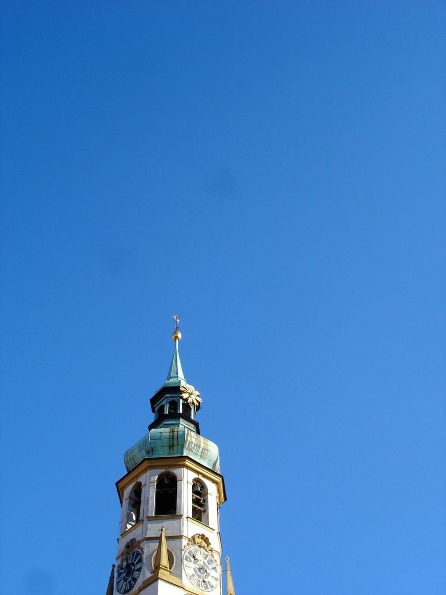 百塔の街の塔